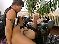 Slave butler be advisable for the sexual pleasure of a sexy mature mistress