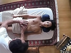 Massaged babe in threeway