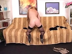 Blonde amateur milf paroxysmal off her pussy