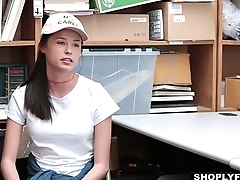 Shoplyfter - Teen Fucks Cop To Get Broadly Of Transform
