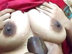 Dewar ne Bhabi ki Boobs pr apna maal giraya