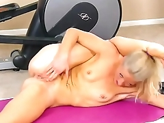 Yoga misemployment at Hardbodycams.com